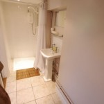 En suite shower room and loo